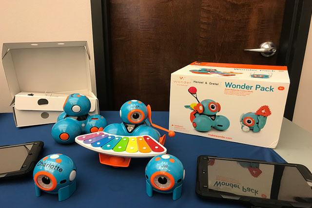 Workshop Dash Robot Wonder Pack Tech Toy