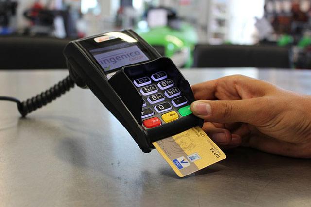 Low Transaction Fee benifit of Credit Card