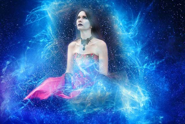Women Should Know About Psychics